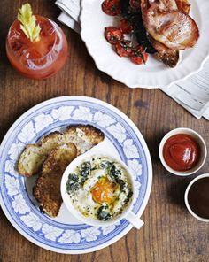 Baked eggs by Jamie Oliver Oven Recipes, Egg Recipes, Brunch Recipes, Breakfast Recipes, Cooking Recipes, Healthy Recipes, Breakfast Ideas, Baked Eggs, Foods To Eat