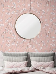 Sakura wallpaper from Parisian wall decoration brand Papermint. Painting Wallpaper, Girl Wallpaper, Wallpaper Roll, Wallpaper Decor, Priscilla Curtains, Golden Wallpaper, Washable Wallpaper, How To Install Wallpaper, Traditional Wallpaper