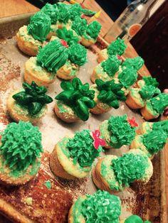 Cactus cupcakes Cactus Cupcakes, Desserts, Food, Tailgate Desserts, Deserts, Essen, Postres, Meals, Dessert