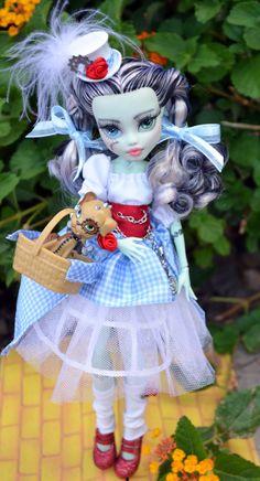 OOAK Frankie In OZ Monster High Repaint Frankie by DiamantesDolls