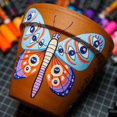 Flower Pot Art, Flower Pot Crafts, Clay Pot Crafts, Painted Plant Pots, Painted Flower Pots, Pottery Painting, Painting Clay Pots, Decorated Flower Pots, Diy Crafts To Do
