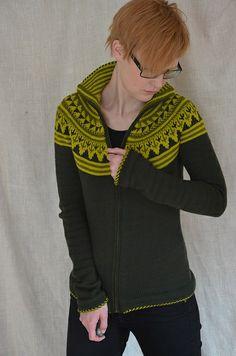 FrauMascha's Groenlijk version of the Oranje cardigan knitting pattern by Ann Weaver on Ravelry.