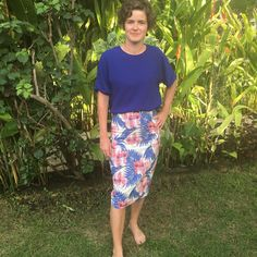 Wearing my newly finished Ultimate Pencil Skirt on the Gili Islands. Very happy, with both the skirt and the location! Skirt Sewing, Skirt Patterns Sewing, Gili Island, Tartan Fabric, Dressmaking, Islands, How To Make, How To Wear, Pencil