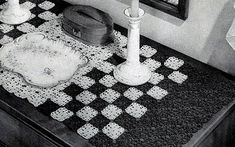 Simplicity Table Runner crochet pattern originally published in Doilies, Spool Cotton Book 201. #crochetpatterns