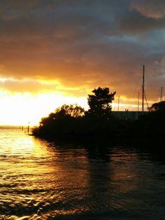 Sunrise, Hastings Vic, Aust