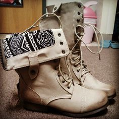 """@madmack3 Kind of obsessed with my new boots"" http://www.charlotterusse.com/thumbnail/Shoes/Boots-Booties/pc/2115/2656.uts"