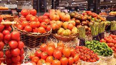 El tomate es el producto estrella del verano. Pero hay que saber distinguir los buenos, elegir la variedad adecuada y después tratarlo con respeto en la cocina.