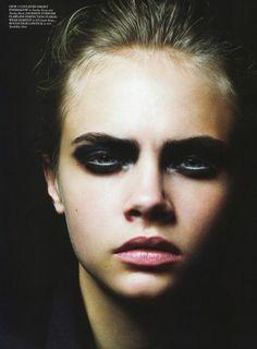 Cara Delevingne, Beauty Makeup, Eye Makeup, Hair Makeup, Hair Beauty, Smoky Eyes, Modern Hairstyles, Dark Eyes, Fashion Editorials