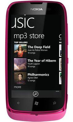 Nokia Lumia 610 NFC, Latest Windows Mobile Phone. Ok, l'ho comprato... peccato che non l'ho trovato fucsia...! Sarebbe stato fantastico...!!! Ma nero va bene comunque!