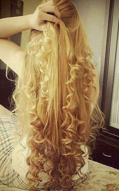 Curls For Long Hair, Long Curly Hair, Long Hair Models, Long Brunette, Really Long Hair, Long Hair Video, Wild Hair, Beautiful Long Hair, Hair Inspiration