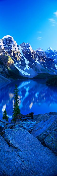 #MoraineLake, #Canada. Love these so beautiful pictures from Canada
