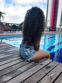 [New] The 10 Best Hairstyles Today (with Pictures) Curly Hair Care, Curly Girl, Curly Hair Styles, Natural Hair Styles, Pool Photography, Light Skin Girls, Insta Photo Ideas, Tumblr Girls, Pretty Hairstyles