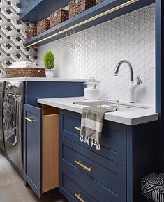 Laundry goals! Love that tile!...Tag a friend who would love this too!....📷 credi