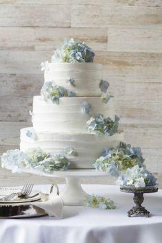 Dusty blue and white wedding cake Black Wedding Cakes, Wedding Cakes With Flowers, Floral Wedding Cakes, Perfect Wedding, Dream Wedding, Kyoto, Fresh Flower Cake, Dusty Blue Weddings, Wedding Cake Inspiration