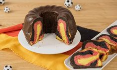 Deutschland-Kuchen Rezept: Rührkuchen aus der Gugelhupfform in Deutschland-Farben - Eins von 7.000 leckeren, gelingsicheren Rezepten von Dr. Oetker!