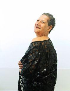 Dona Geralda do BBB 16 posa sensual para ensaio de fotos