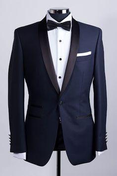 Wedding suits men black tuxedos groom attire navy tux ideas for 2019 Tuxedo Suit, Tuxedo For Men, Groom Wear, Groom Attire, Mens Fashion Suits, Mens Suits, Costume Marie Bleu, Engagement Dress For Men, Navy Tuxedos