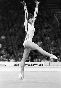 Gymnastics History, Sport Gymnastics, Artistic Gymnastics, Olympic Gymnastics, Olympic Badminton, Olympic Games Sports, Nadia Comaneci Perfect 10, Famous Gymnasts, Gymnastics Problems