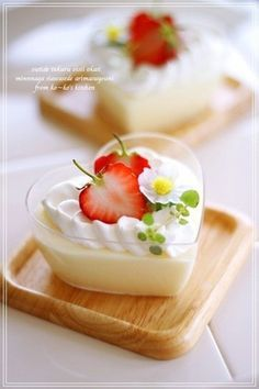 "White Chocolate Mousse Recipe by cookpad. ""White chocolate mousse is so delicious! Baked White Chocolate Cheesecake, White Chocolate Recipes, White Chocolate Mousse, Chocolate Mousse Recipe, Gluten Free Chocolate, Chocolate Chocolate, White Chocolate Panna Cotta, Japanese Sweets, Japanese Food"