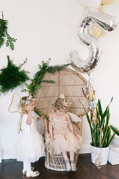 We've never wanted to go back in time to when we were little girls as much as we do now. And if we could, we'd be bff's with Marley, the star fairy of this enchanted, woodland fairy 5th birthday party. Amber Thrane, mama, stylist, photographer and co-owner of Dulcet Creativedreamt up the party of our …