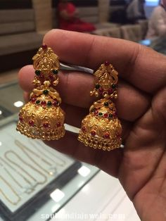 20 grams traditional gold antique temple jhumka from Premraj Shantilal Jain Jewellers. Gold Jhumka Earrings, Jewelry Design Earrings, Geode Jewelry, Gold Earrings Designs, Gold Jewellery Design, Gold Designs, Bridal Jewellery, Jumka Earrings, Ear Jewelry