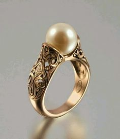 Find More at => http://feedproxy.google.com/~r/amazingoutfits/~3/HQf218bNkFE/AmazingOutfits.page Vintage Pearl Rings, Gold Pearl Ring, Vintage Pearls, Pearl Set, White Gold Rings, Vintage Jewelry, Vintage Clothing, The 10th Kingdom, Sapphire Jewelry