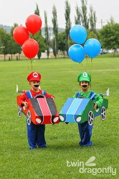 Easy DIY Halloween Costumes for Kids, From Care Bears to Ninja Turtles Mario Costume Diy, Mario Halloween Costumes, Super Mario Costumes, Mario And Luigi Costume, Costume Garçon, Mario E Luigi, Boy Costumes, Costume Ideas, Zombie Costumes