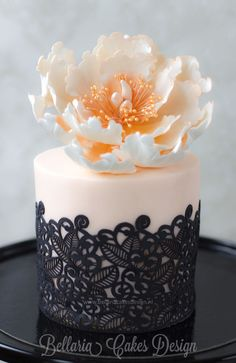 Mini cake with black lace and open peony - Cake by Bellaria Cake Design Gorgeous Cakes, Pretty Cakes, Amazing Cakes, Mini Cakes, Cupcake Cakes, Cake Fondant, Fondant Molds, Peony Cake, Flower Cakes