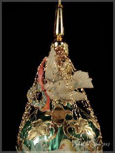 Wiktoriańskie Doves świąteczne Sweetheart Ornament przez SilverOwlStudio
