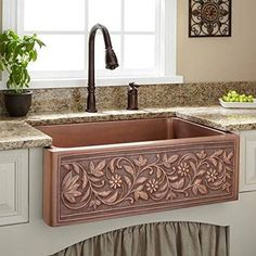 Best Farmhouse Themed Copper Sinks!  We love apron-front copper sinks in a kitchen because they are large and beautiful. White Farmhouse Sink, Copper Farmhouse Sinks, Copper Kitchen, Copper Sinks, Hells Kitchen, Single Floor House Design, White Bathroom Decor, Basin Design, Signature