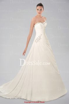 Fashionable Sweetheart Neckline Chiffon Wedding Gown with Pleats and Beaded Appliques