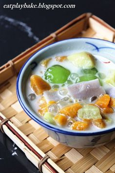 Malaysian Sweet Potato, Tapioca, Coconut Milk Dessert Soup. 摩摩喳喳 Bubur Cha Cha
