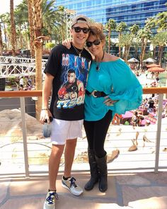 Austin Mahone with his mother