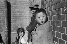 Town of Pusan, which became the capital of the Republic of Korea during the Korean War by Werner Bischof Busan, Magnum Photos, War Photography, Street Photography, Documentary Photography, Zurich, Photographer Portfolio, Korean War, Famous Photographers