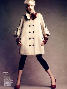☆ Agyness Deyn | Photography by Patrick Demarchelier | For Vogue Magazine US | March 2007 ☆ #Agyness_Deyn #Patrick_Demarchelier #Vogue #2007