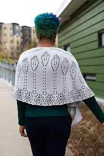 A companion shawl to Alia, Lady Jessica is a sport weight shawl that is little snugglier than a fingering weight shawl while avoiding the weight of worsted.