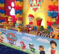 Divertida idea de decoración para fiesta temática de Paw Patrol