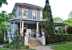 Town and Country Living: The Historic Streets of Sycamore, Illinois