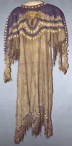 National Museum of the American Indian : Girl's dress, Sioux.