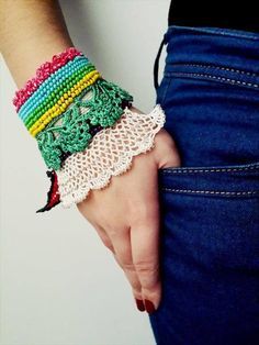 Colorful Beaded Crochet Bracelet and Flower Patterns