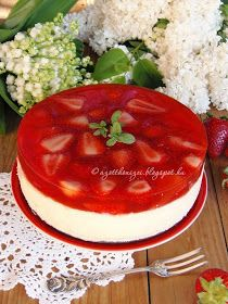 Az otthon ízei: Epres túrótorta sütés és tojás nélkül Anyák napjára No Salt Recipes, Cake Recipes, Dessert Recipes, Cooking Recipes, Köstliche Desserts, Dessert Drinks, Summer Desserts, Hungarian Desserts, Hungarian Recipes