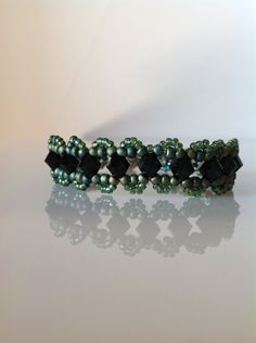 Green beaded bracelet,Swarovski beaded bracelet,black beaded bracelet,green jewelry,women's jewelry,birthday gift,gifts for girls by PassionByMaya on Etsy