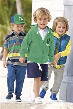 We need more boy posts on the adorable children boards. I think we may be discri. - My favorite children's fashion list Preppy Little Boys, Preppy Family, Little Boy Fashion, Kids Fashion Boy, Boy Post, Precious Children, Preppy Style, Cute Boys, Boy Outfits