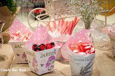 http://www.floristeriabast.com/ https://www.facebook.com/pages/floristeriabastcom/140355086002931