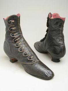 Manchester  boots  1875-1885  17.1 x x 25.4 cm  1947.1018