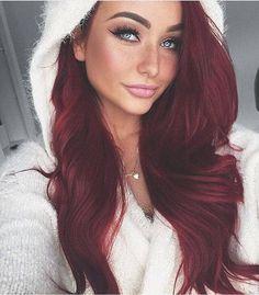 Livin' La Vida Lohan Locks Nägel Ideen Schattierungen 50 Hot Shades of Burgundy Hair to Rock this Fall Bright Red Hair, Red Hair Color, Burgundy Red Hair, Nice Hair Colors, Brown Hair, Burgendy Hair, Color Red, Wig Hairstyles, Straight Hairstyles
