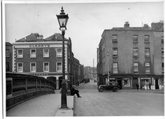 Looking north up Queen Street before street widening Dublin Map, Dublin City, Dublin Ireland, Ireland Pictures, Old Pictures, Old Photos, Dublin Street, Photo Engraving, History Photos