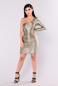 Nevada Shimmer Dress - Gold. Royal Blue Prom DressesTight DressesSexy DressesFashion  Nova ... 1f54b431c370