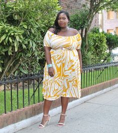 Giving Shoulder Action In Rachel Pally Plus Size Lovely Dress