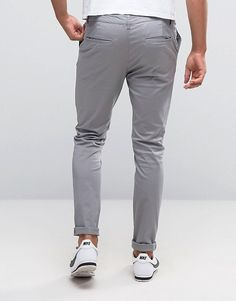 Find the best selection of ASOS DESIGN skinny chinos in light gray. Shop today with free delivery and returns (Ts&Cs apply) with ASOS! Old Man Fashion, Grey Fashion, Mens Fashion, Fashion Outfits, Fashion Design, Skinny Chinos, Men Trousers, Gray Pants, Mens Clothing Styles